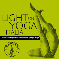 Light on Yoga Italia